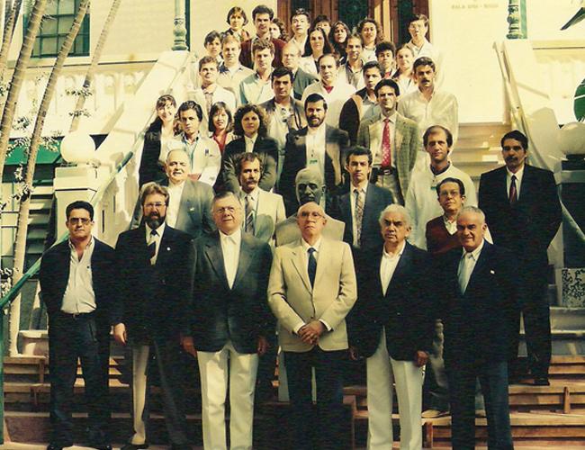 Professores, Pós –Graduandos e Residentes da Disciplina em 1993