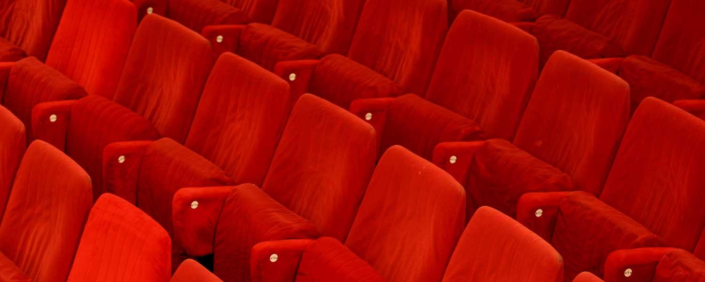 1500x600_cadeiras-auditório